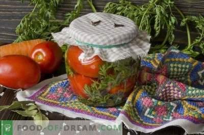Marinuoti pomidorai su morkomis
