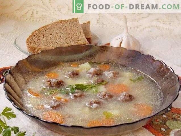 Mėsos kamuoliukų sriuba