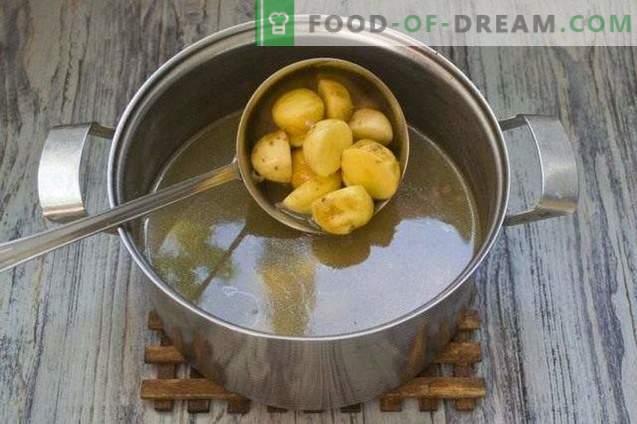 sriuba su lęšiais, geltonais pomidorais ir jaunomis bulvėmis