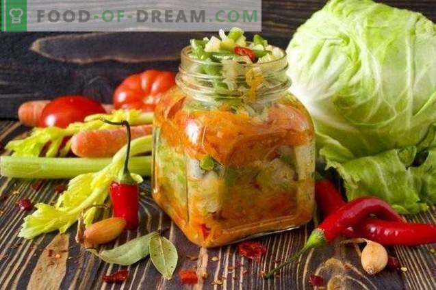 Sluoksniuotos daržovių salotos žiemai