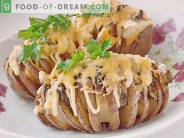 Armónica de la patata. Patatas al horno con tocino debajo de la corteza de queso