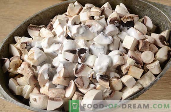 Batatas com cogumelos no forno com creme azedo - um prato aromático e nutritivo. Receita de foto passo a passo do autor de batatas assadas com cogumelos