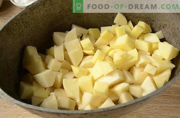 Картофи с гъби във фурната със заквасена сметана - ароматна и питателна чиния. Авторска стъпка по стъпка фото рецепта от печени картофи с гъби