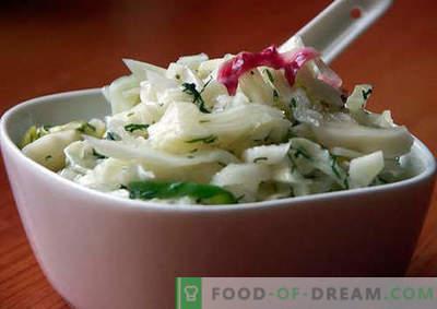 Salotos su marinuotais svogūnais - geriausių receptų pasirinkimas. Kaip tinkamai ir skaniai paruošti salotos su marinuotais svogūnais.