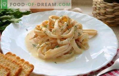 Kalmarai grietinėje yra sultingas moliuskų patiekalas. Kalmarų receptai grietinės padaže su daržovėmis, sūriu, grybais, česnaku, pomidorais