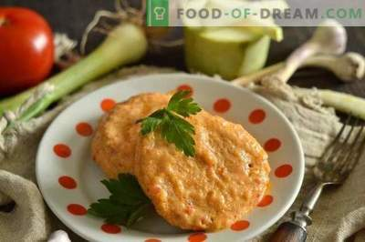 Delicate chicken bits with zucchini in sweet and sour gravy