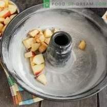 Lean charlotte su obuoliais ir cinamonu ant daržovių grietinėlės
