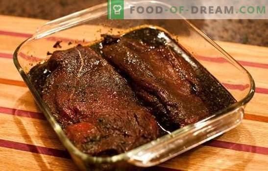 Aštrus, aštrus, pomidoras - pasirinkti kiaulienos marinatą su sojos padažu. Greičiausias sojų pupelių marinatas kiaulienos