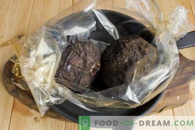 Ukrainos borsas su kiauliena ir keptais burokėliais