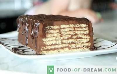 Tortas be kepimo sausainių ir sutirštinto pieno - per kelias minutes! Kaip gaminti pyragą iš sausainių ir kondensuoto pieno be kepimo