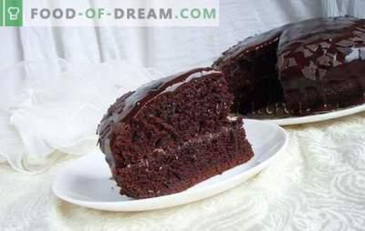 Šlapias kempinės pyragas - greiti, sultingi pyragaičiai! Šlapias kempinės pyragas su kondensuotu pienu, mėtų, medaus ir šokoladu