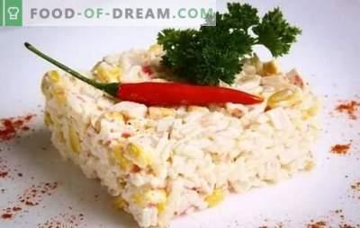 Krabų salotos (laipsniškas receptas) yra originalus užkandis, pagamintas iš paprastų produktų. Laipsniškas krabų salotų receptas: sudedamųjų dalių pasirinkimas ir paruošimas