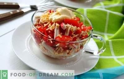 Krabų salotos su pomidorais ir sūriu yra gražios! Krabų salotos su sūriu ir pomidorais