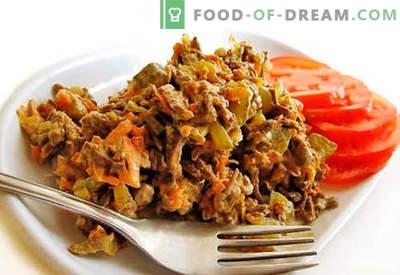 Jautienos kepenų salotos - patvirtinti receptai. Kaip gaminti jautienos kepenų salotas.