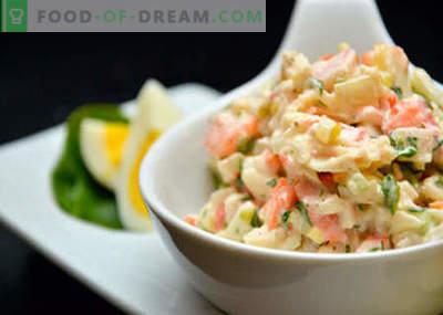 Salată cu varză, porumb și crab stick - cele mai bune retete. Salate de gătit din varză, porumb și craburi.