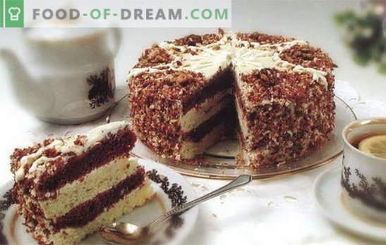 Tortas su sutirštintu pienu ir grietine yra delikatesas, kurį mėgsta visi. Receptai tortams su kondensuotu pienu ir grietine