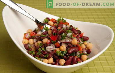 Skanios ir paprastos salotos su konservuotomis pupelėmis ir kitais produktais. Greitai virimas: paprastos pupelių salotos