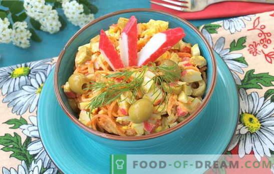 Sultingos salotos su krabų lazdelėmis ir Korėjos morkomis. Receptai salotoms su krabų lazdelėmis ir Korėjos morkomis