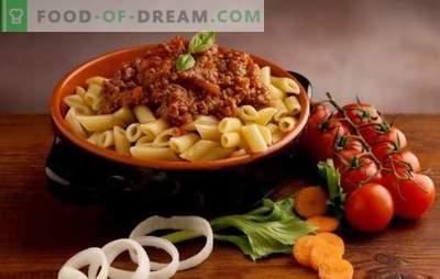 Makaronai su pomidorais - italai mėgsta! Stulbinančiai skanūs ir originalūs makaronų receptai su pomidorais
