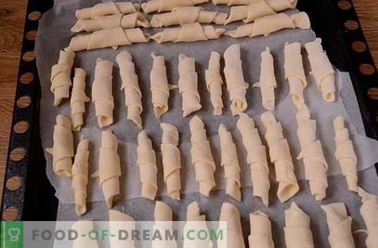 Bageliai grietine: žingsnis po žingsnio foto receptas. Aromatinių bagelių kepimas grietine yra gana ilgas, bet verta!