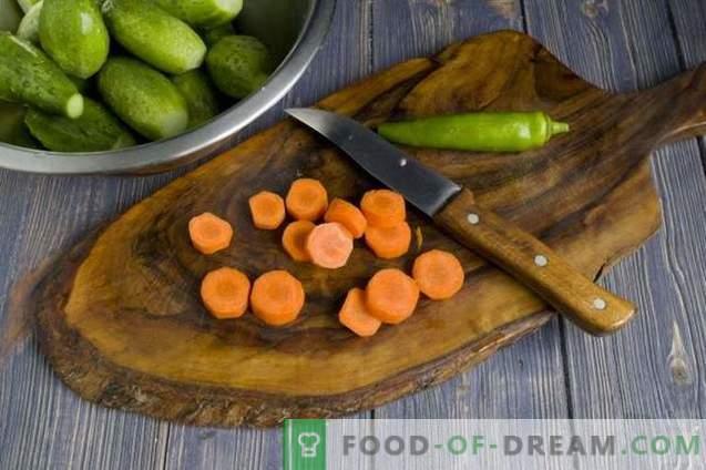 Traškūs marinuoti agurkai žiemai