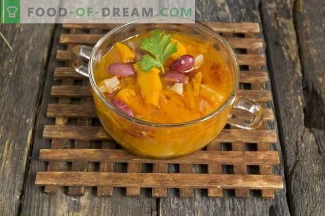 sriuba su moliūgais, pupelėmis ir kiaulienos šonkauliais