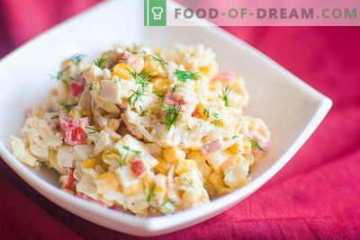 Krabų salotos - geriausi receptai. Kaip tinkamai ir skaniai virti krabų lazdelių salotos.