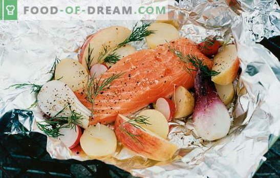 Raudona žuvis folijoje - orkaitė! Raudonųjų žuvų receptai orkaitėje su bulvėmis, pomidorais, kaparėliais ir alyvuogėmis