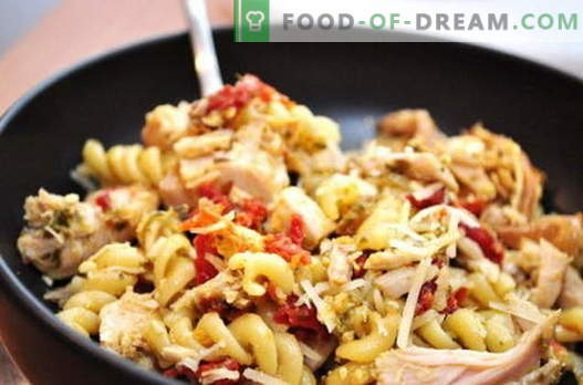 Vištienos makaronai - geriausi receptai. Kaip tinkamai ir skaniai virti vištienos su makaronais lėtoje viryklėje.