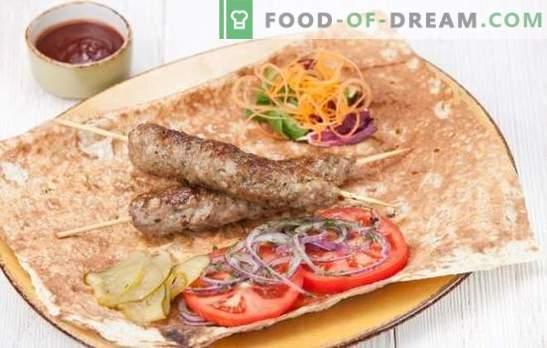 Kebabas namuose yra paprastas! Naminiai kebabų kiaulienos, ėrienos, Turkijos, vištienos arba jautienos variantai