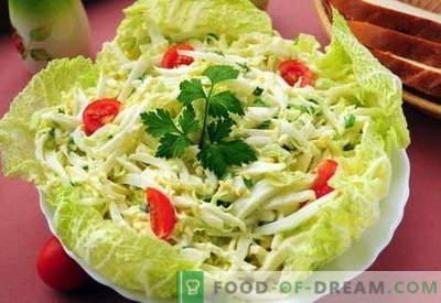 Kinijos kopūstų salotos - geriausi receptai. Kaip tinkamai ir skaniai virti kiniškos kopūstų salotos.