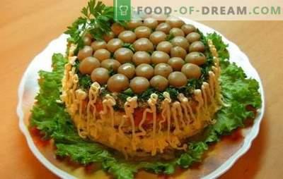 """Kaip galiu pagaminti salotas """"Grybų glade"""" su kumpiu. Kulinarinis ekspromtas salotų tema -"""