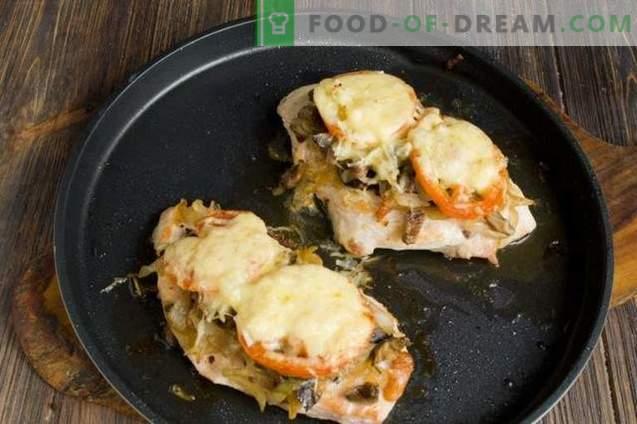 Vištienos krūtinėlė su sūriu ir pomidorais