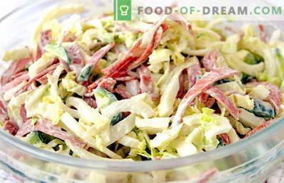 Salotos su šviežiais kopūstais ir dešra yra geriausi receptai. Mes paruošiame teisingai salotas iš šviežių kopūstų su dešra.