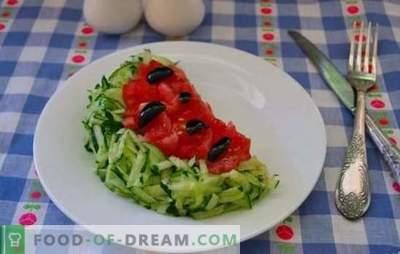 """Salotos """"Arbūzų gabalas"""": žingsnis po žingsnio receptai. Gražios ir skanios salotos """"Arbūzų gabalas"""" virimas su nuosekliais receptais"""