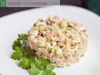 Salotos su konservuotomis rausvomis lašišomis